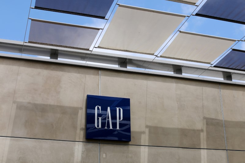 © Reuters. A Gap Inc. retail store is shown in La Jolla