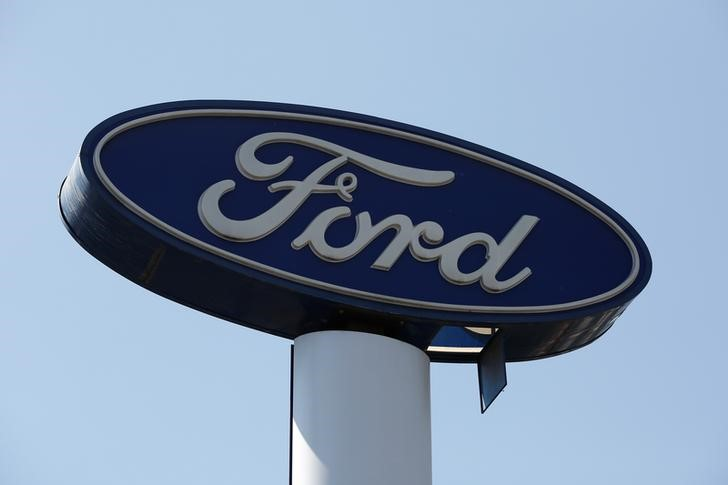© Reuters. Sign of Ford is pictured at a car dealership in Mexico City