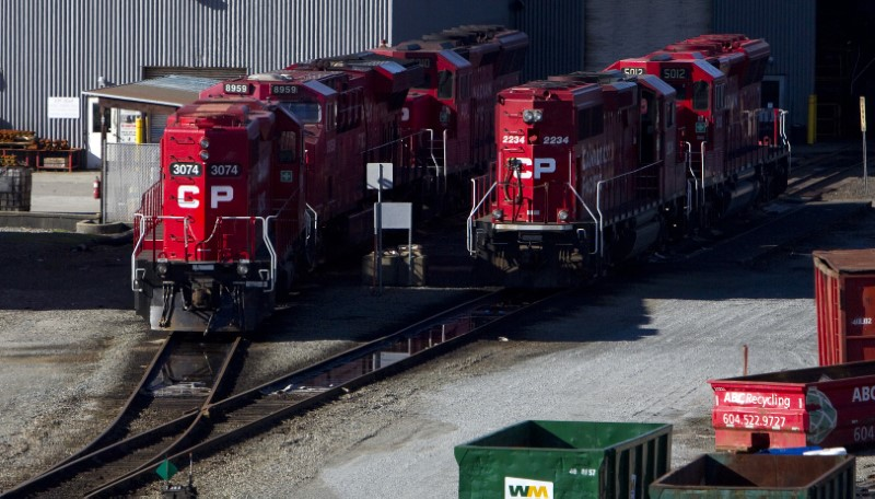 © Reuters. FILE PHOTO: The Canadian Pacific railyard is pictured in Port Coquitlam.