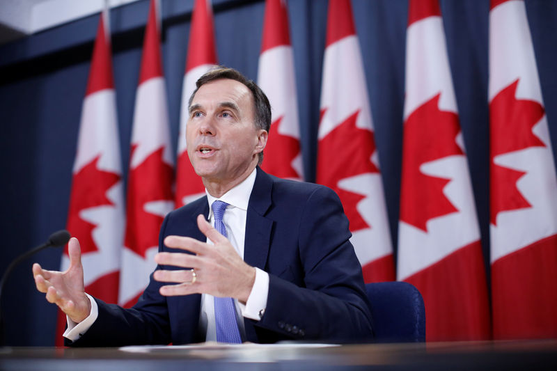 © Reuters. Canada's Finance Minister Bill Morneau speaks during a news conference in Ottawa
