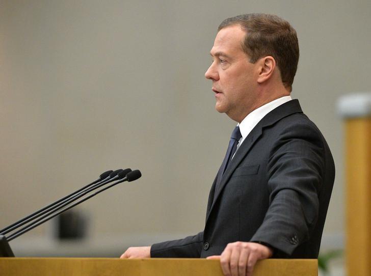 © Reuters. Дмитрий Медведев на заседании Госдумы в Москве
