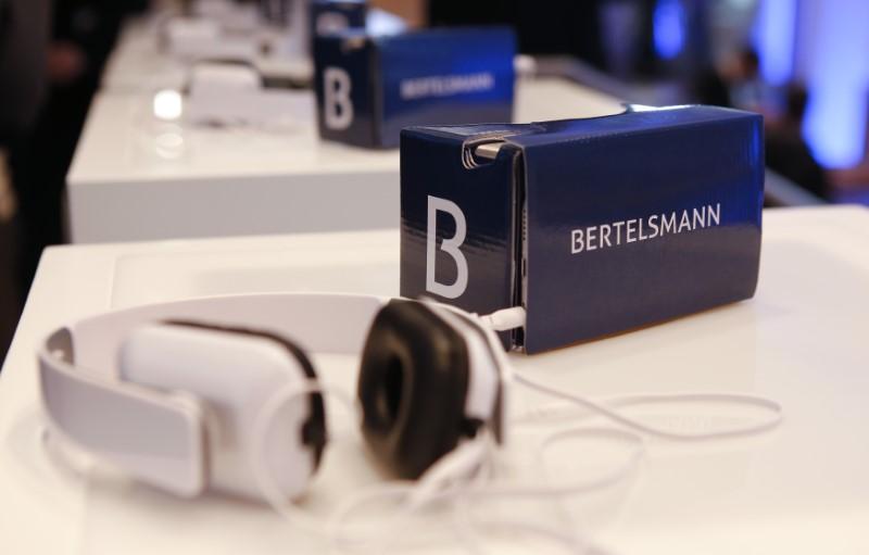 © Reuters. BERTELSMANN ET RTL FREINÉS PAR LES EFFETS DE CHANGE AU 1ER TRIMESTRE