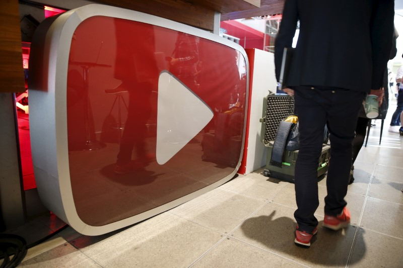 © Reuters. Logo do YouTube no YouTube Space LA em Playa Del Rey, Los Angeles, Califórnia, EUA