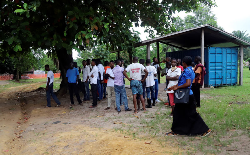 الكونجو تعطي مصلا تجريبيا للإيبولا لأفراد الأطقم الطبية