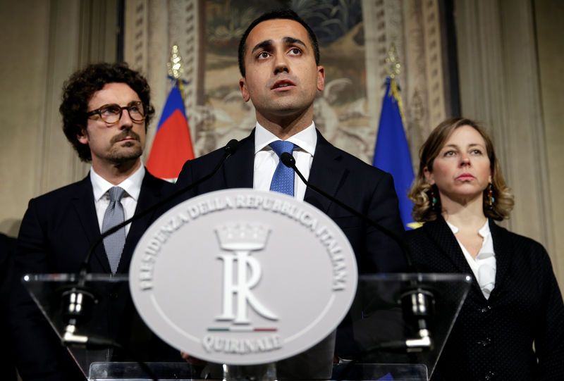 Italian bonds sell off as 5-Star, League inch towards government
