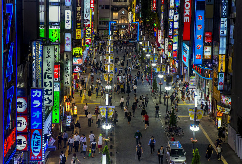 © Reuters. FILE PHOTO: An overview shows Shinjuku's nightlife district of Kabukicho in Tokyo