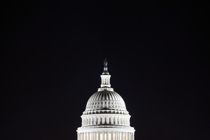 © Reuters. General view of the U.S. Capitol dome in the pre-dawn darkness in Washington