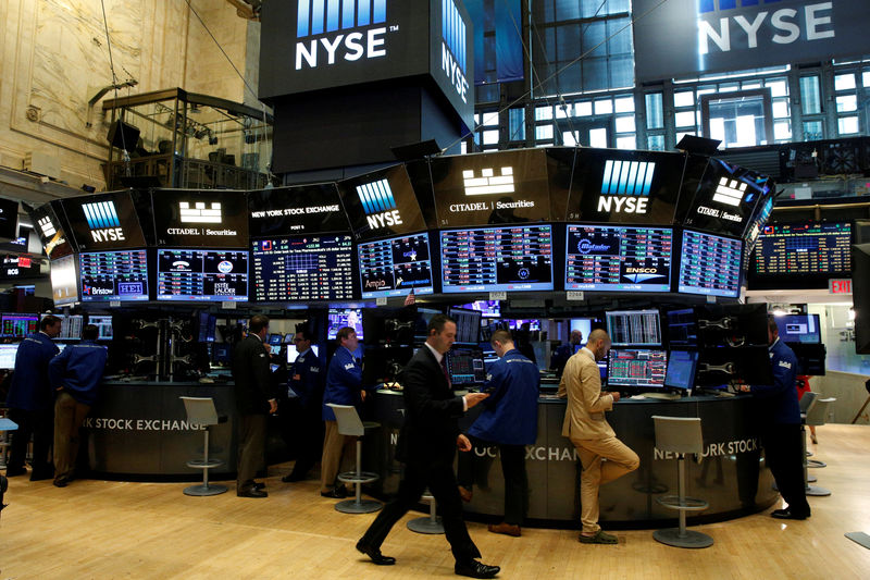 S&P, Dow fall as oil drop hurts energy