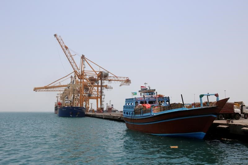 U.N. Yemen envoy in talks with Houthis to cede Hodeidah port: sources