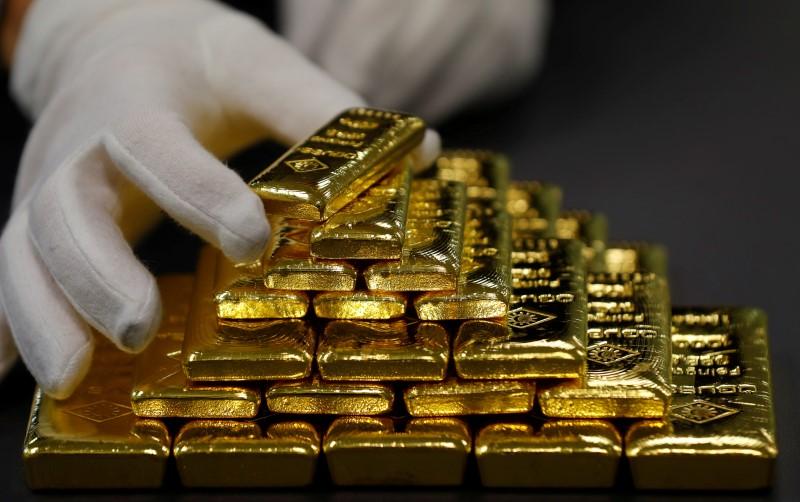 الذهب يرتفع بفضل تصيد الصفقات والأنظار على محادثات أمريكا والصين
