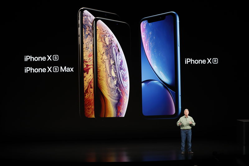 © Reuters. Schiller Senior Vice President, Worldwide Marketing of Apple, speaks about the new Apple iPhone XR at an Apple Inc product launch in Cupertino