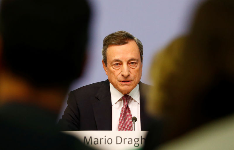 © Reuters. European Central Bank (ECB) President Mario Draghi speaks during the news conference following the governing council's interest rate decision at the ECB headquarters in Frankfurt
