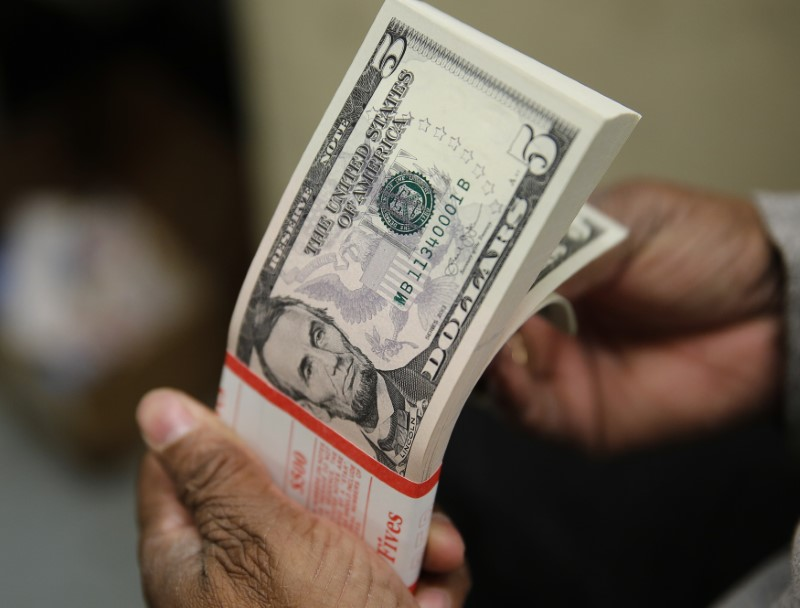 © Reuters. Notas de dólar