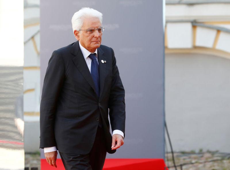 © Reuters. Il presidente della Repubblica Sergio Mattarella
