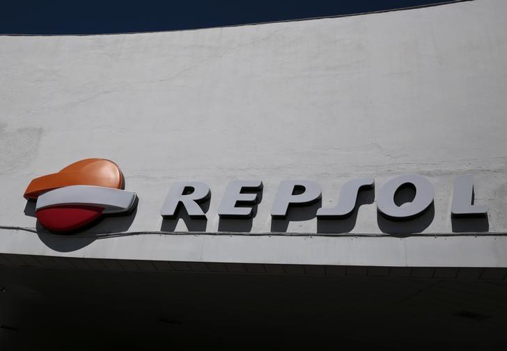 © Reuters. Temasek reduce su participación en Repsol al 3,3 por ciento