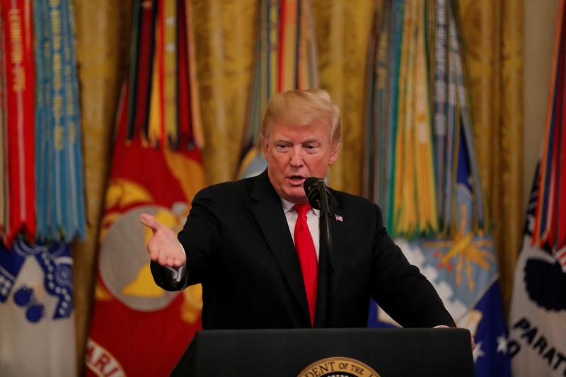 © Reuters. Trump ordena aplicar aranceles a más productos chinos por 200.000 millones de dólares
