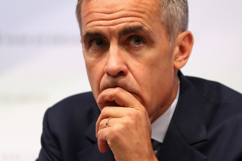 © Reuters. FILE PHOTO: Bank of England Governor, Mark Carney, speaks during the central bank's quarterly Inflation Report press conference in London