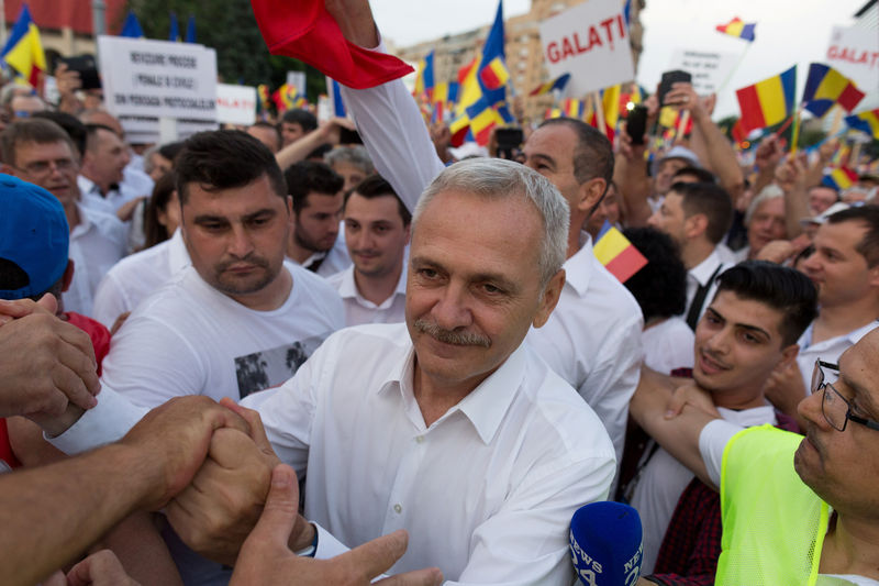 Romanian ruling party leader defeats dissenters who want him out