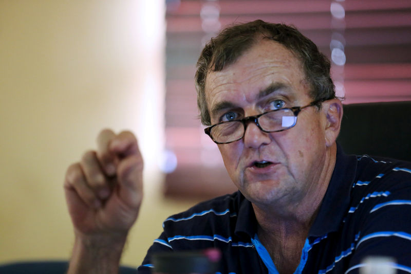 © Reuters. FILE PHOTO: Randgold Resources CEO Bristow speaks during a news conference at Tongon Gold Mine in the Korhogo region