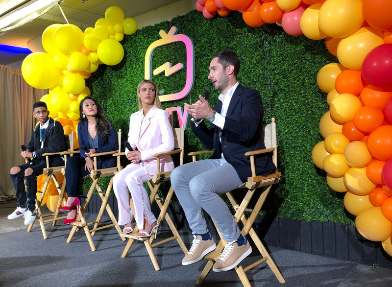 © Reuters. FILE PHOTO: Instagram Chief Executive Kevin Systrom answers a question at a news conference in San Francisco