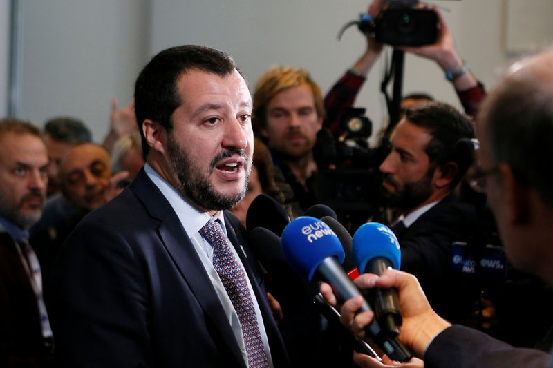 © Reuters. Italy's Interior Minister Matteo Salvini talks to journalists after a G6 meeting of the Interior Ministers, the European Commissioner for Security and the European Commissioner for Migration to discuss security and anti-terror issues in Decines