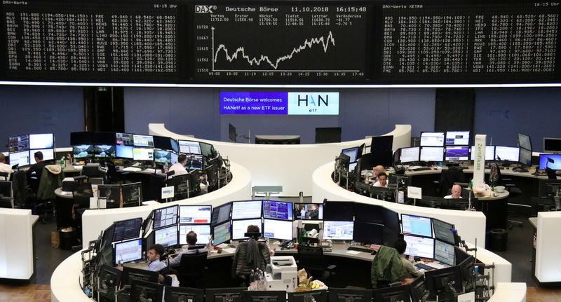 © Reuters. الأسهم الأوروبية تهبط لأدنى مستوياتها في 21 شهرا مع تفاقم موجة مبيعات عالمية