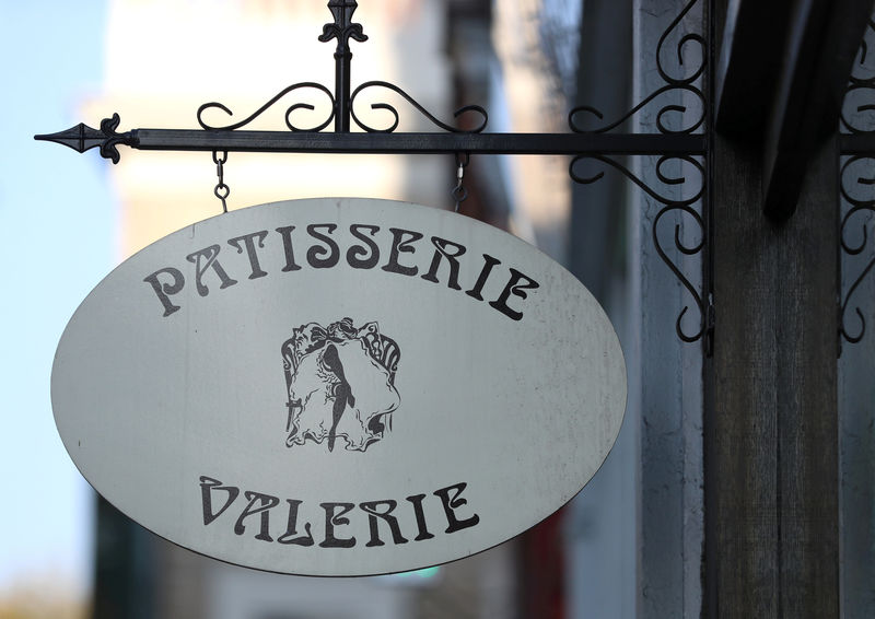 © Reuters. FILE PHOTO: A sign is seen outside a branch of Patisserie Valerie in London