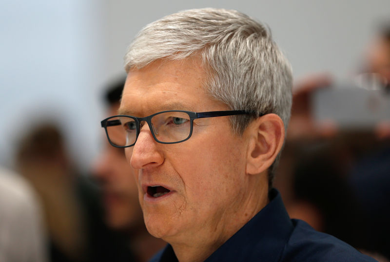 Apple CEO urges Bloomberg to retract spy chip story