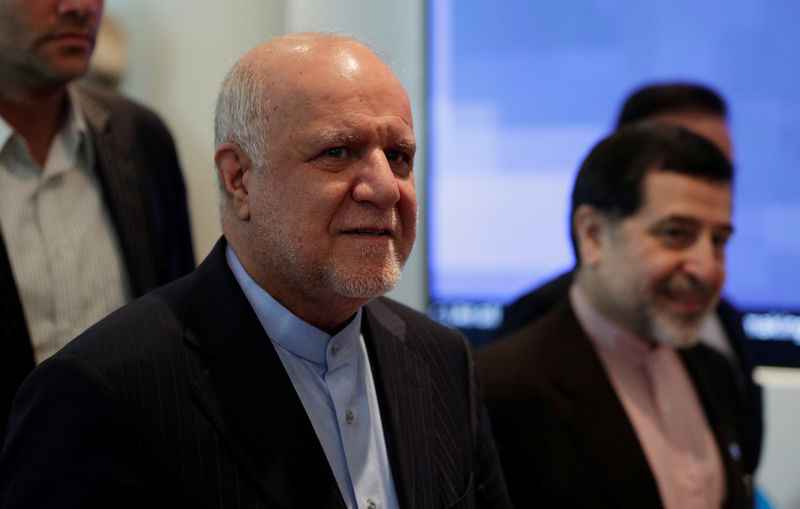 © Reuters. Iran's Oil Minister Zanganeh arrives for an OPEC meeting in Vienna