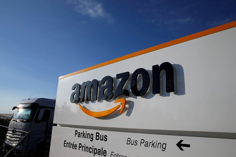 © Reuters. FILE PHOTO: The logo of Amazon at the company logistics centre in Boves