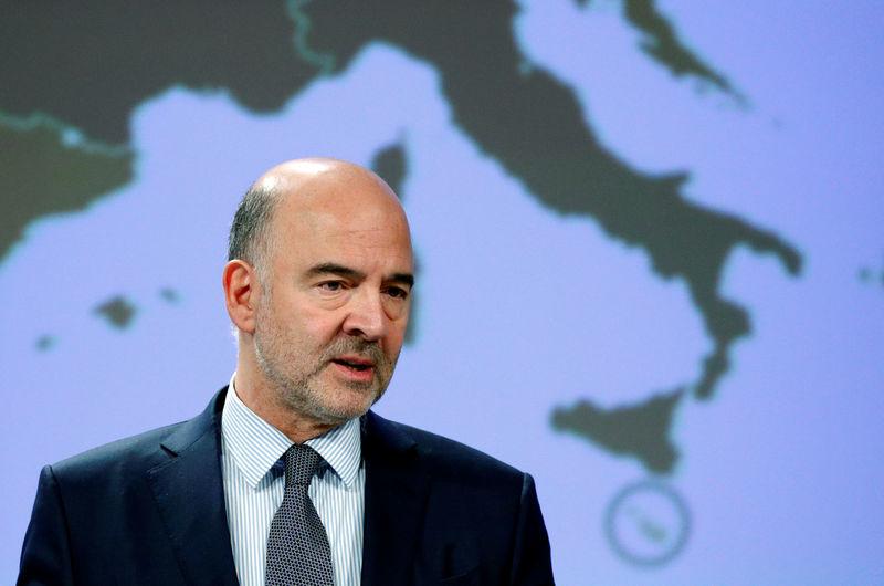 © Reuters. Il commissario Ue agli Affari economici Pierre Moscovici