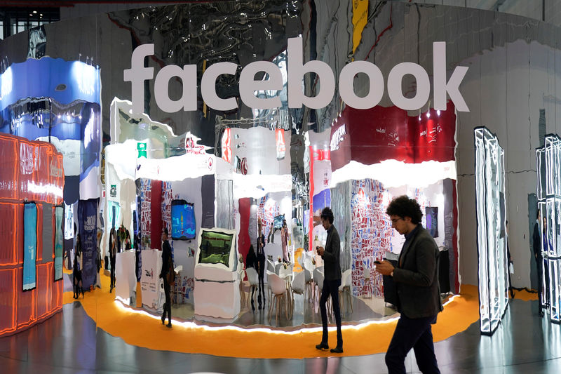 © Reuters. FILE PHOTO: A Facebook sign is seen during the China International Import Expo (CIIE), at the National Exhibition and Convention Center in Shanghai
