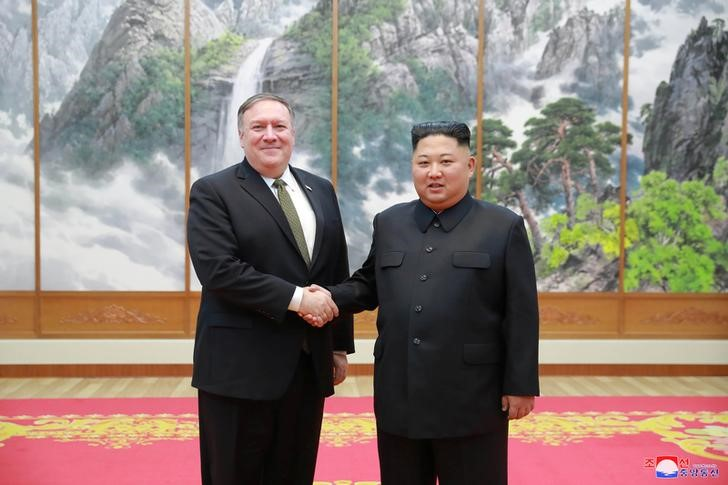 © Reuters. North Korean leader Kim Jong Un meets with U.S. Secretary of State Mike Pompeo in Pyongyang