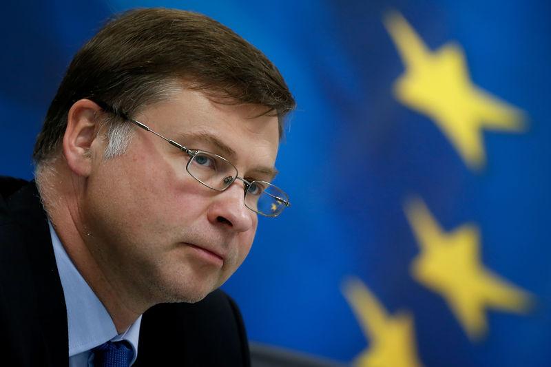 © Reuters. Il vice-presidente della Commissione Ue con delega all'euro Valdis Dombrovskis