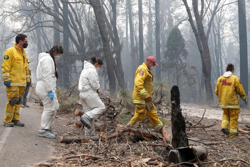 فرق الإنقاذ تبحث عن ألف مفقود في أسوأ حريق غابات بكاليفورنيا