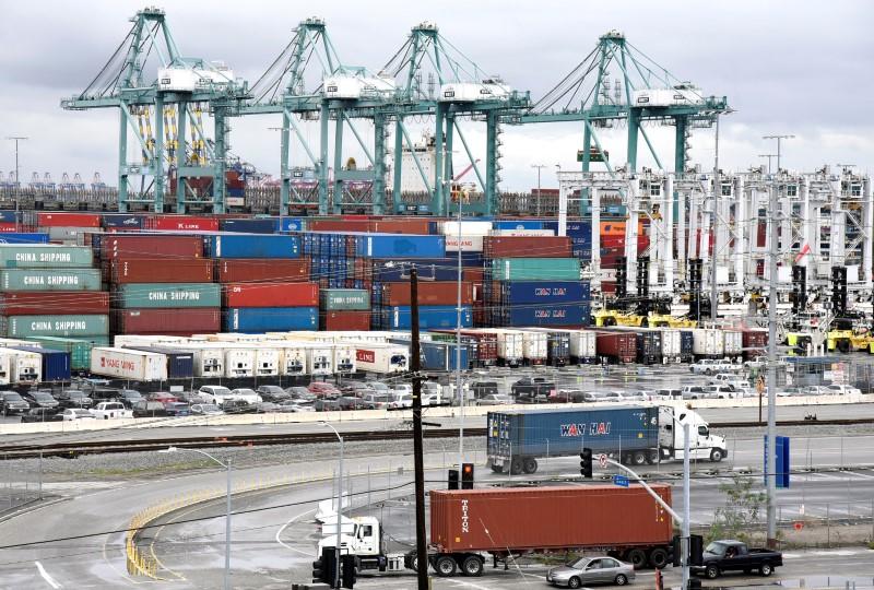U.S. core capital goods orders unchanged; shipments rise