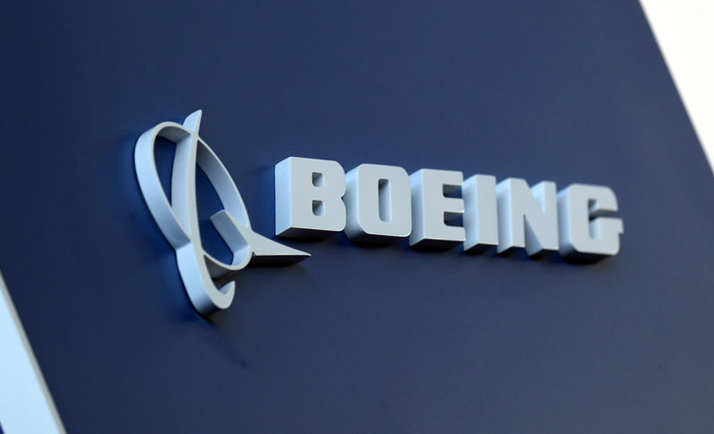 © Reuters. FILE PHOTO: Boeing logo LABACE in Sao Paulo