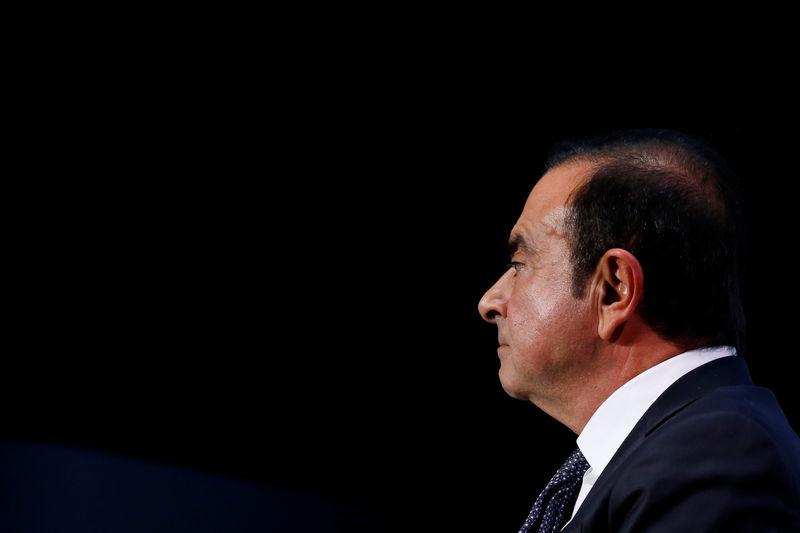 © Reuters. RENAULT: UNE FIDÈLE DE GHOSN A TOUCHÉ UN SALAIRE VIA RNBV