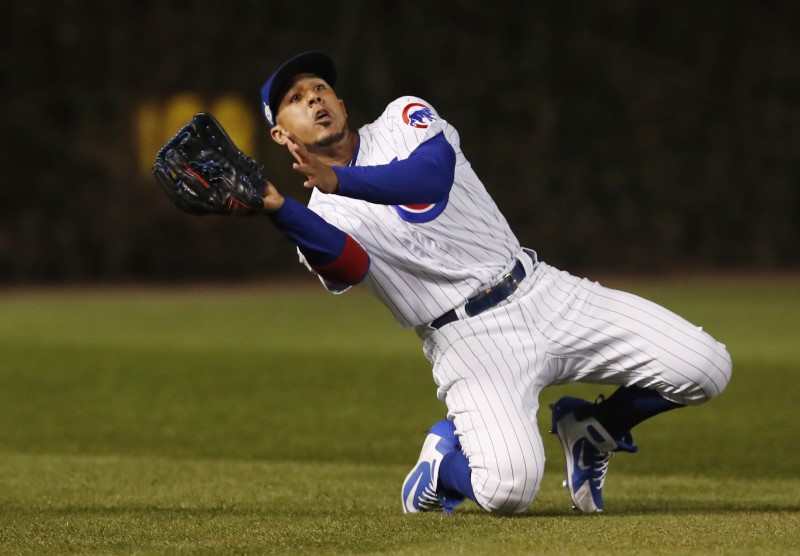© Reuters. FILE PHOTO: MLB: NLCS-Los Angeles Dodgers at Chicago Cubs