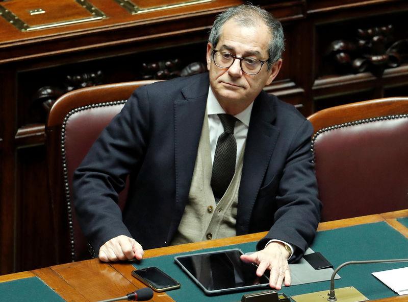 © Reuters. Il ministro dell'Economia Giovanni Tria