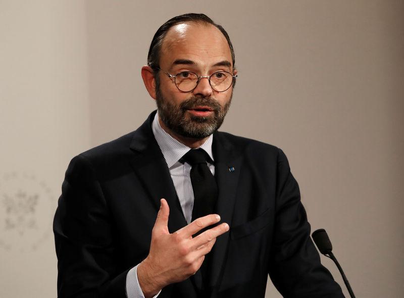 © Reuters. GRAND DÉBAT: SYNDICATS ET PATRONAT VEULENT UN CHANGEMENT DE CAP