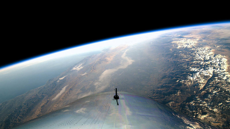 © Reuters. A view from the edge of space is seen from Virgin Galactic's manned space tourism rocket plane SpaceShipTwo
