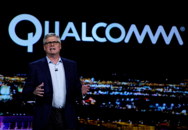 © Reuters. FILE PHOTO: Steve Mollenkopf, Qualcomm CEO, speaks during his keynote address at CES in Las Vegas