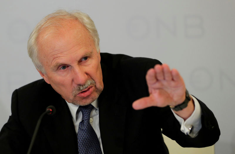 © Reuters. FILE PHOTO: OeNB Governor Nowotny addresses a news conference in Vienna