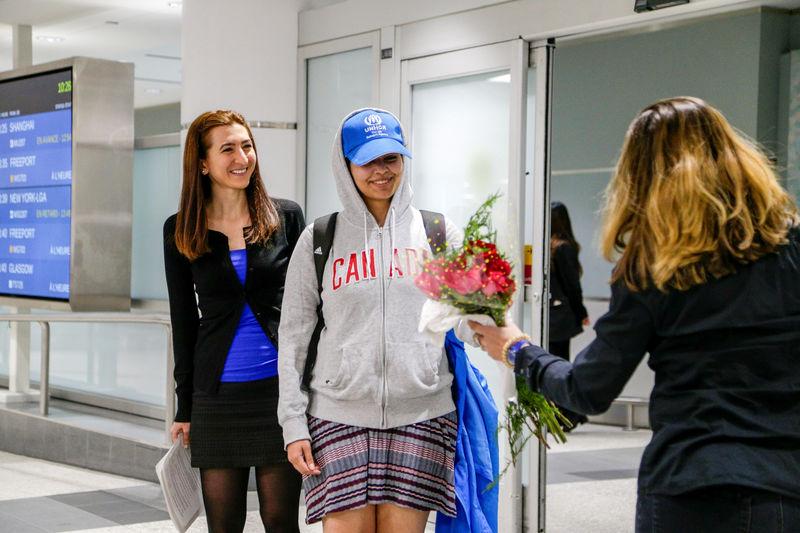 © Reuters. Saudi teenager Rahaf Mohammed al-Qunun arrives in Canada at Toronto Pearson International Airport
