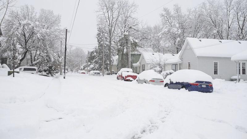 © Reuters. Social media still image of snow in Columbia, Missouri