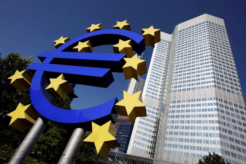 Kauflaune in der Euro-Zone hellt zu Jahresbeginn etwas auf