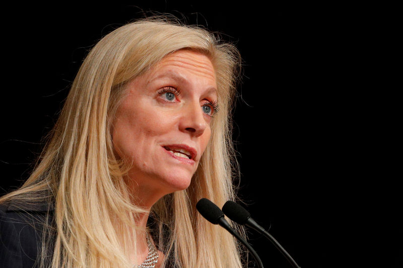 © Reuters. FILE PHOTO - Federal Reserve Board Governor Lael Brainard speaks at the John F. Kennedy School of Government at Harvard University in Cambridge