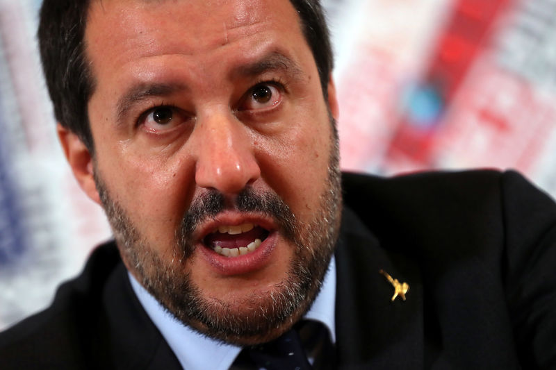 © Reuters. FILE PHOTO: Italian Deputy Prime Minister and right-wing League party leader Matteo Salvini attends a news conference at the Foreign Press Club in Rome