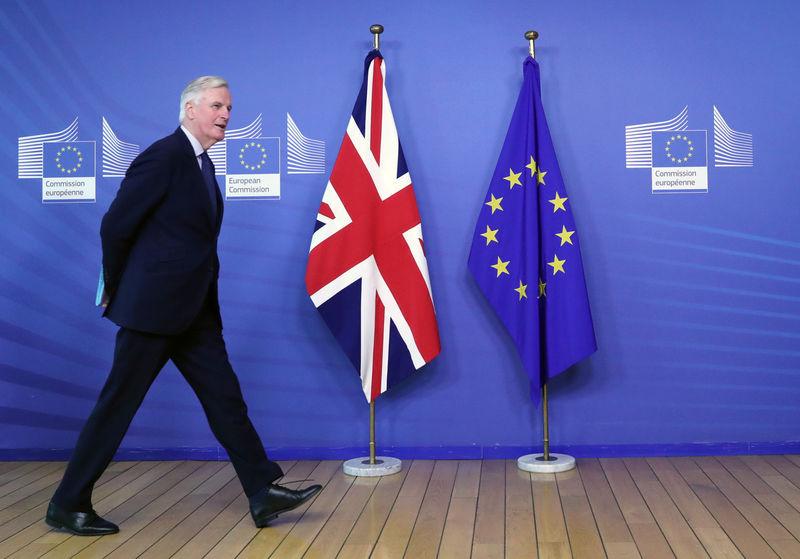 © Reuters. EU Chief Brexit Negotiator Barnier walks at EC HQ in Brussels
